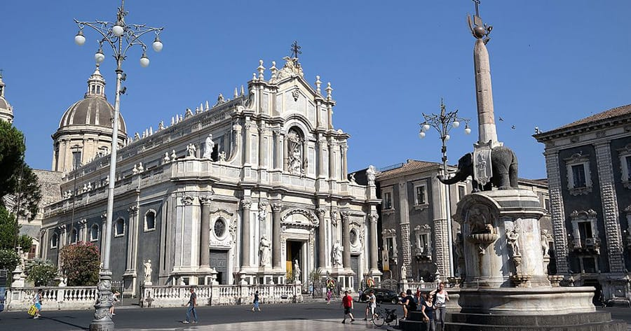 Direct flights to Catania from UK - Excursions sicily