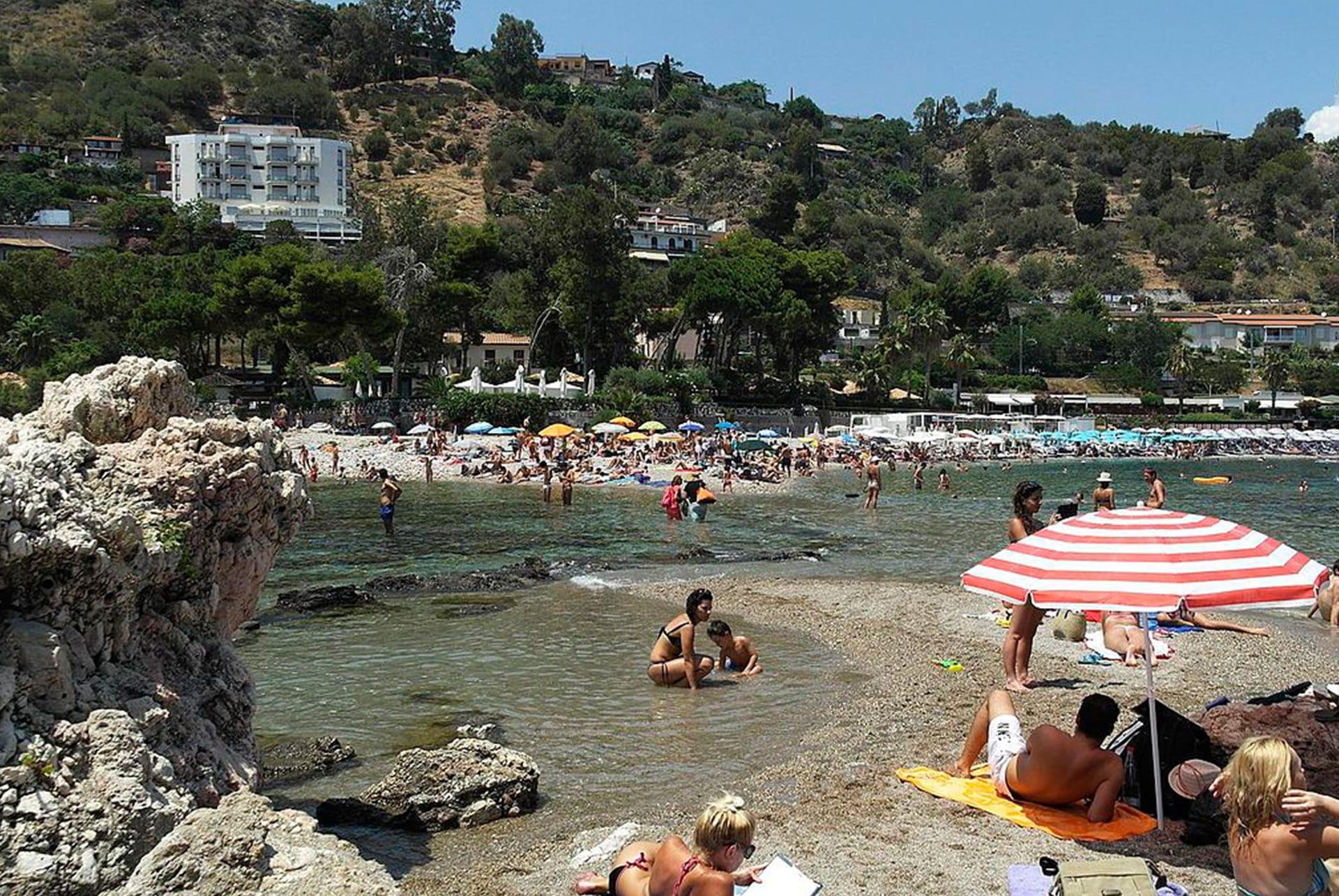 taormina beach mazzaro